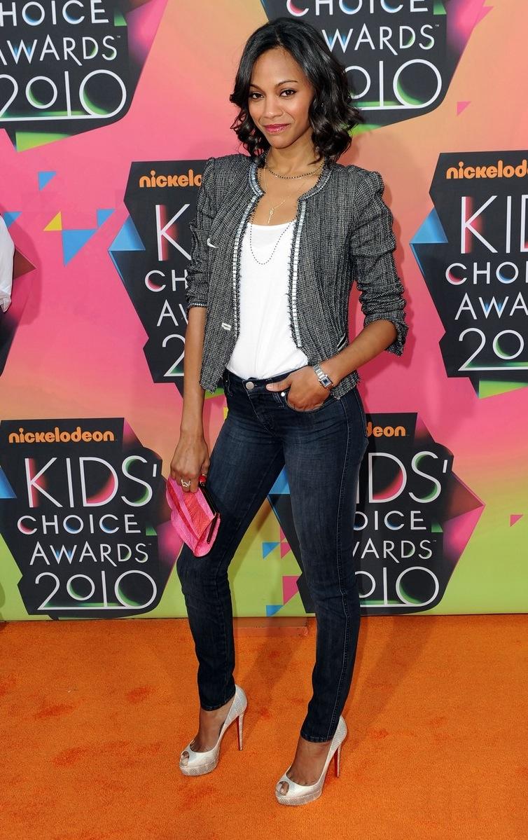 Zoe Saldana Height and Weight Body Stats - PK Baseline ...