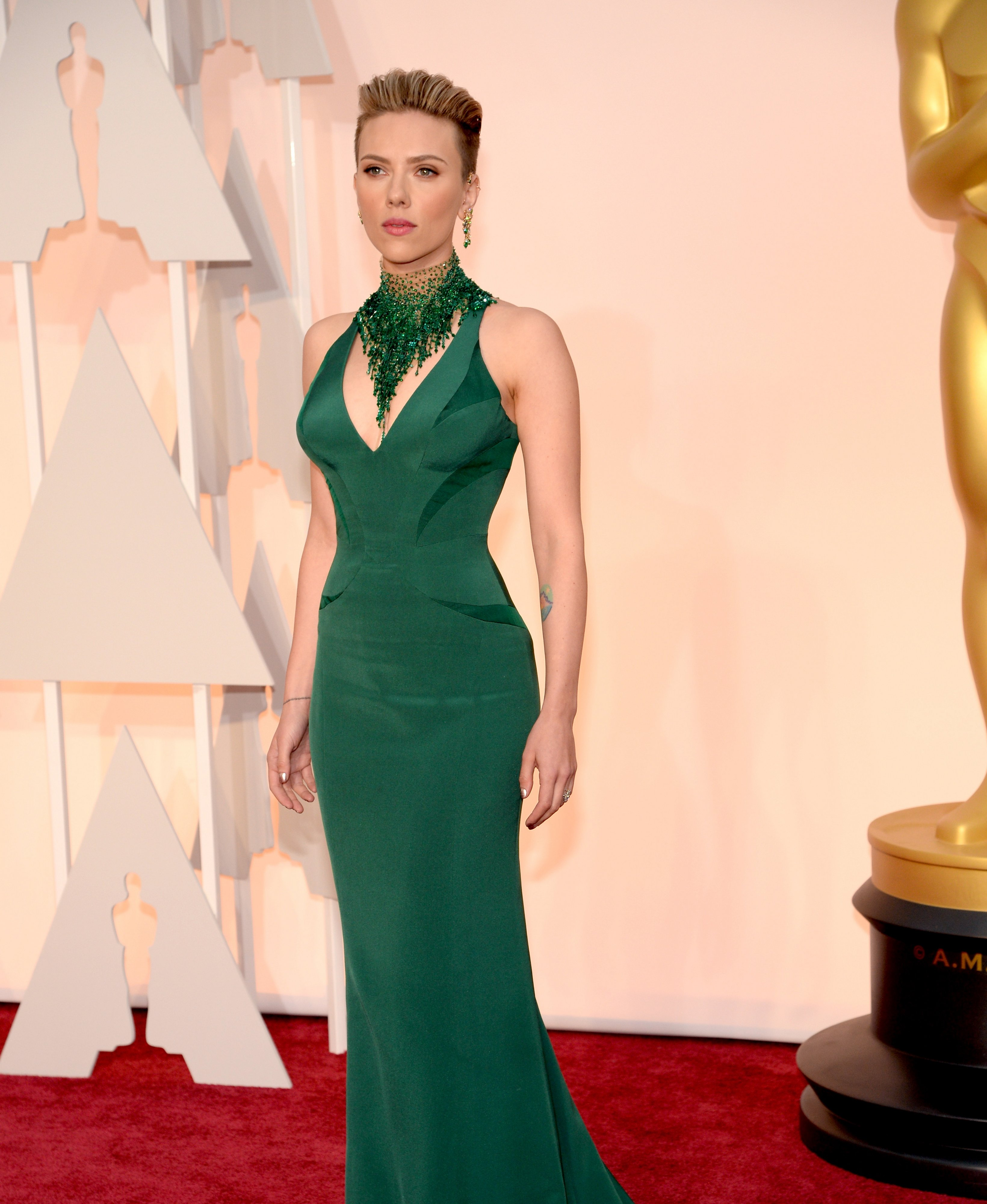 Scarlett Johansson Height and Weight Stats - PK Baseline ... скарлетт йоханссон рост