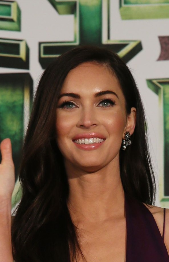 Megan Fox Height and Weight Stats - PK Baseline- How ... Megan Fox