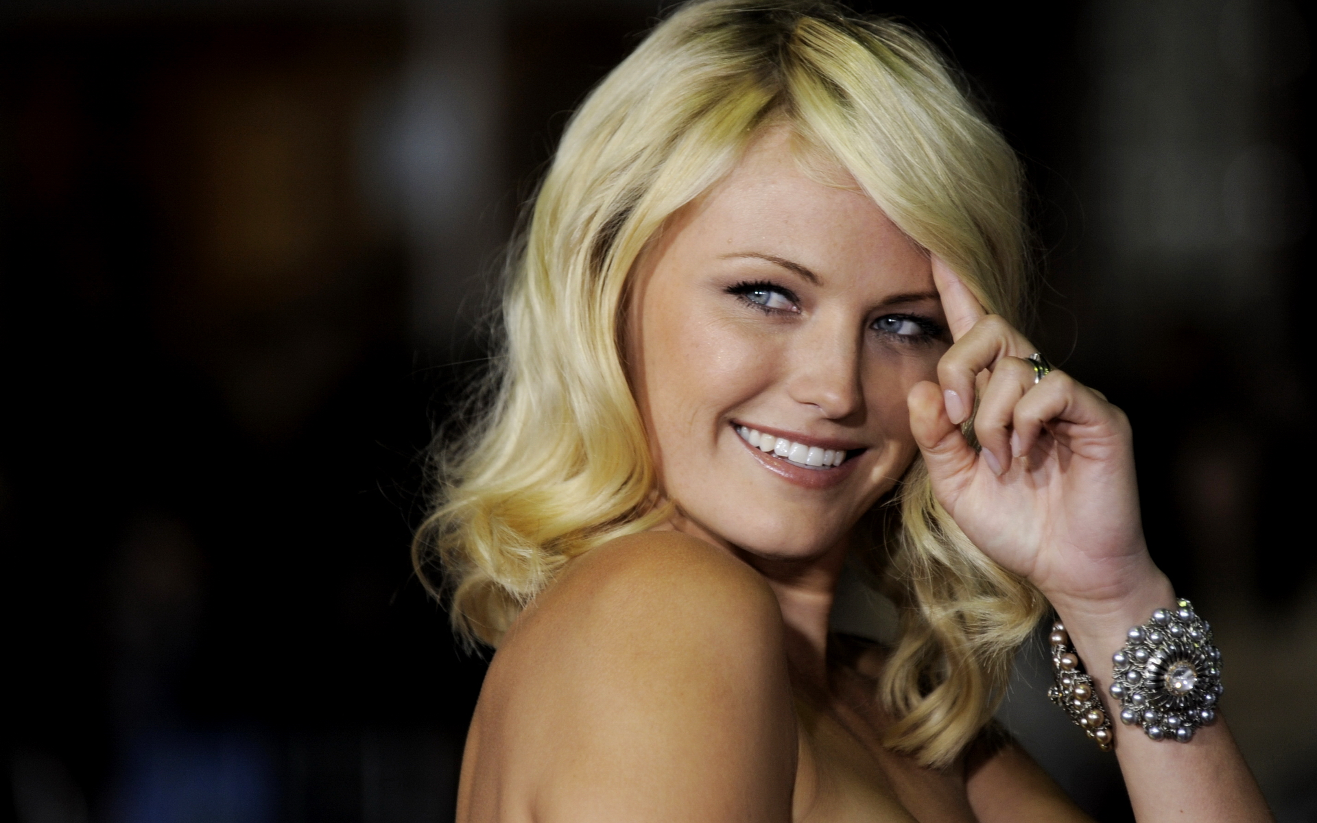 "Malin Akerman, a cast member in ""Couples Retreat,"" poses for photographers at the premiere of the film in Los Angeles, Monday, Oct. 5, 2009. (AP Photo/Chris Pizzello) Premiere Couples Retreat LA"