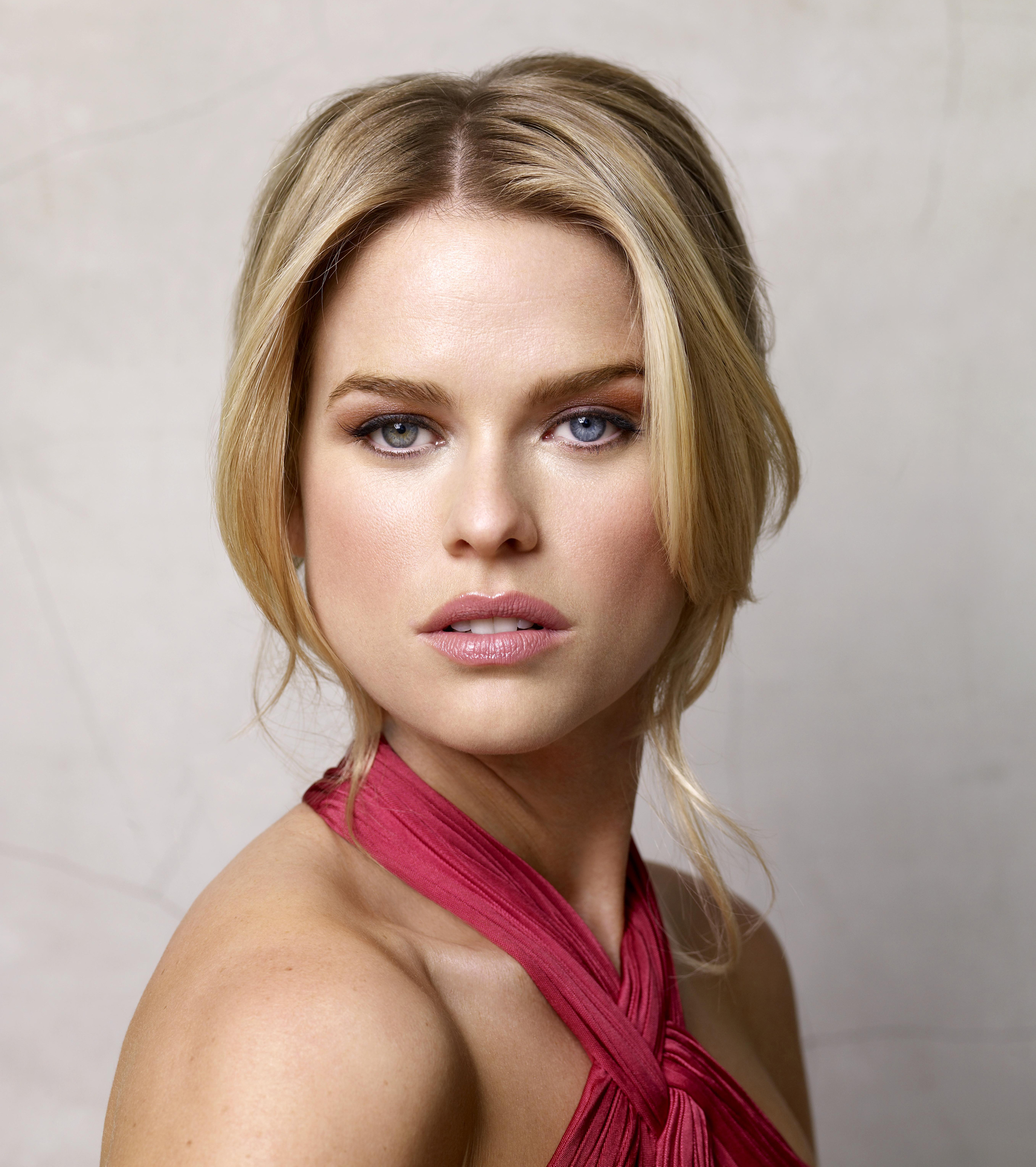 alice-eve-image1