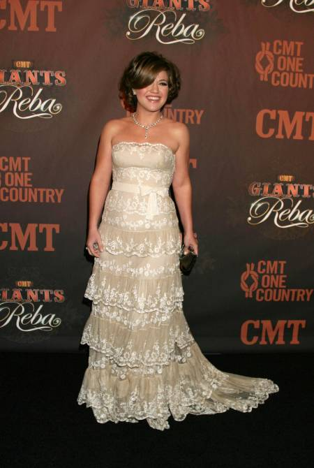 Kelly Clarkson at CMT