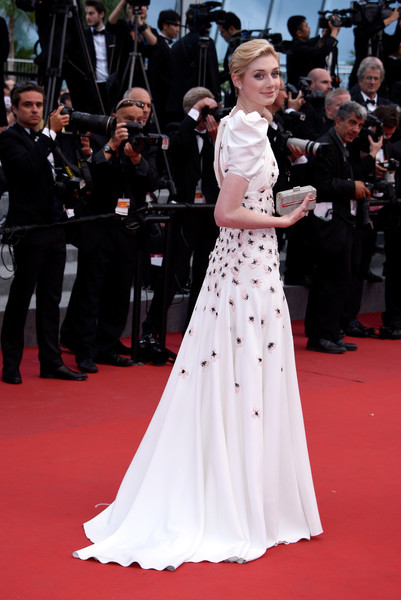 Elizabeth Debicki Height and Weight Stats - PK Baseline- How Celebs Get Skinny and Other ...