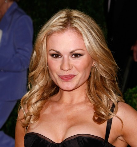 Anna Paquin Height and Weight Stats - PK Baseline- How Celebs Get ...