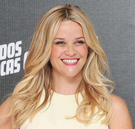 Reese Witherspoon Height and Weight Stats - PK Baseline- How Celebs ...  Reese Witherspoon