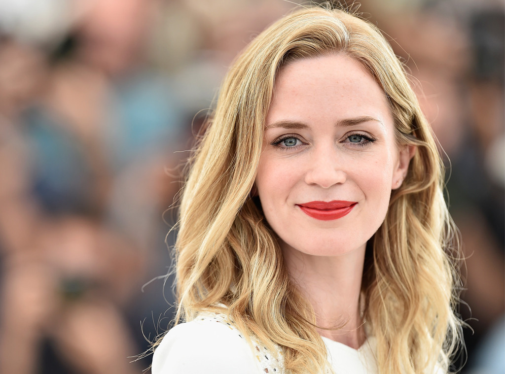 rs_1024x759-150916043614-rs_1024x759-150519100546-1024.Emily-Blunt-Cannes-Scorpion.jl.051915