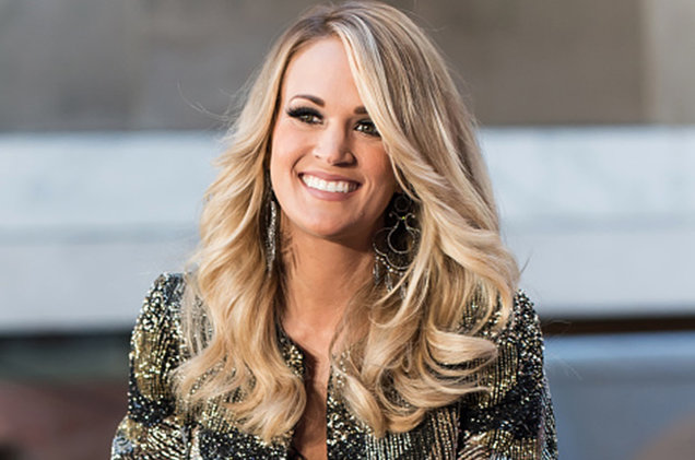 carrie-underwood-smiling-oct-2015-billboard-650