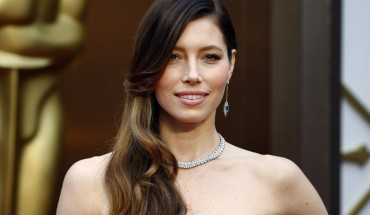 Actress Jessica Biel arrives at the 86th Academy Awards in Hollywood, California March 2, 2014.   REUTERS/Lucas Jackson (UNITED STATES TAGS: ENTERTAINMENT) (OSCARS-ARRIVALS) - RTR3FYME