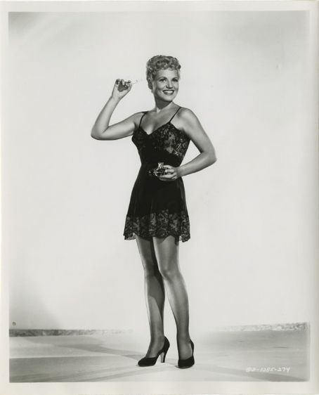 judy holliday iq
